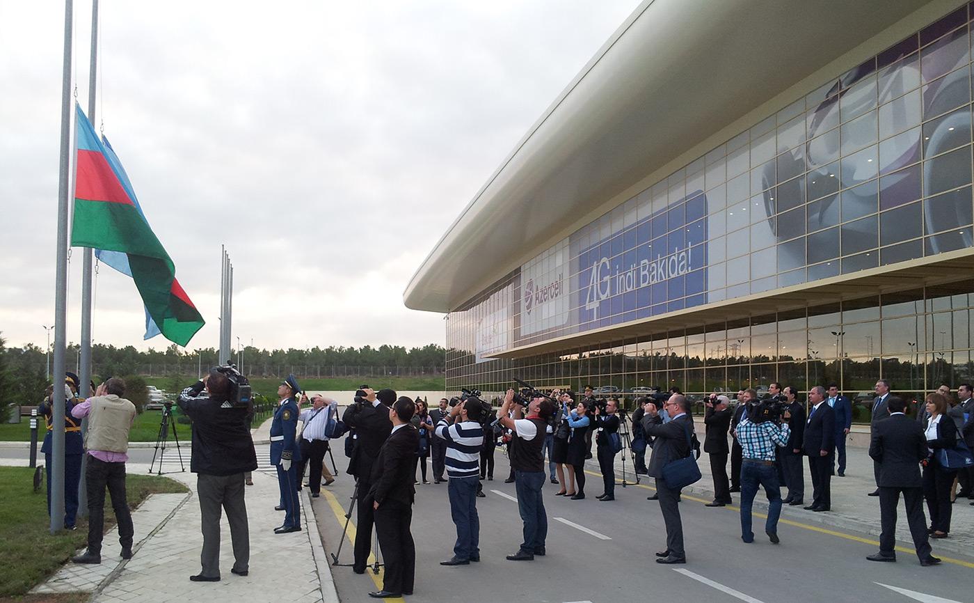 Flaggen-hissen-in-Baku-UN-Gelände