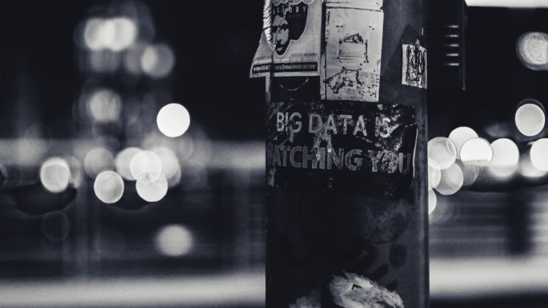 Litfaßsäule mit Aufkleber Big Data is Watching you