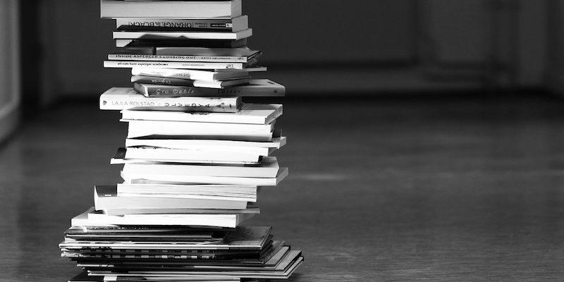 books-2300910_1280