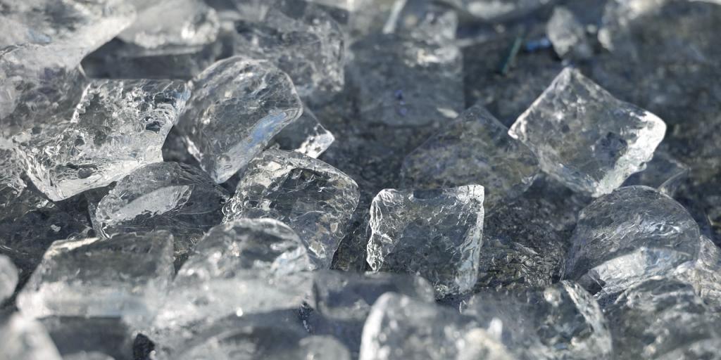 ice-cubes-1194502_1280